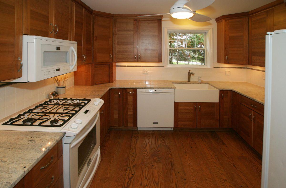 [108]Kitchen3.jpg